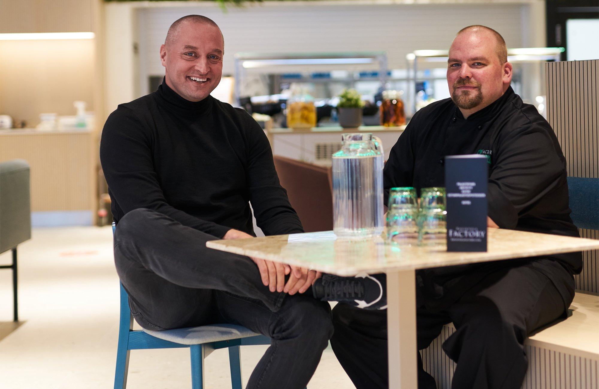 Ravintola Factoryn toimitusjohtaja Matti Karvonen ja Green Factoryn keittiömestari Jussi Koponen.