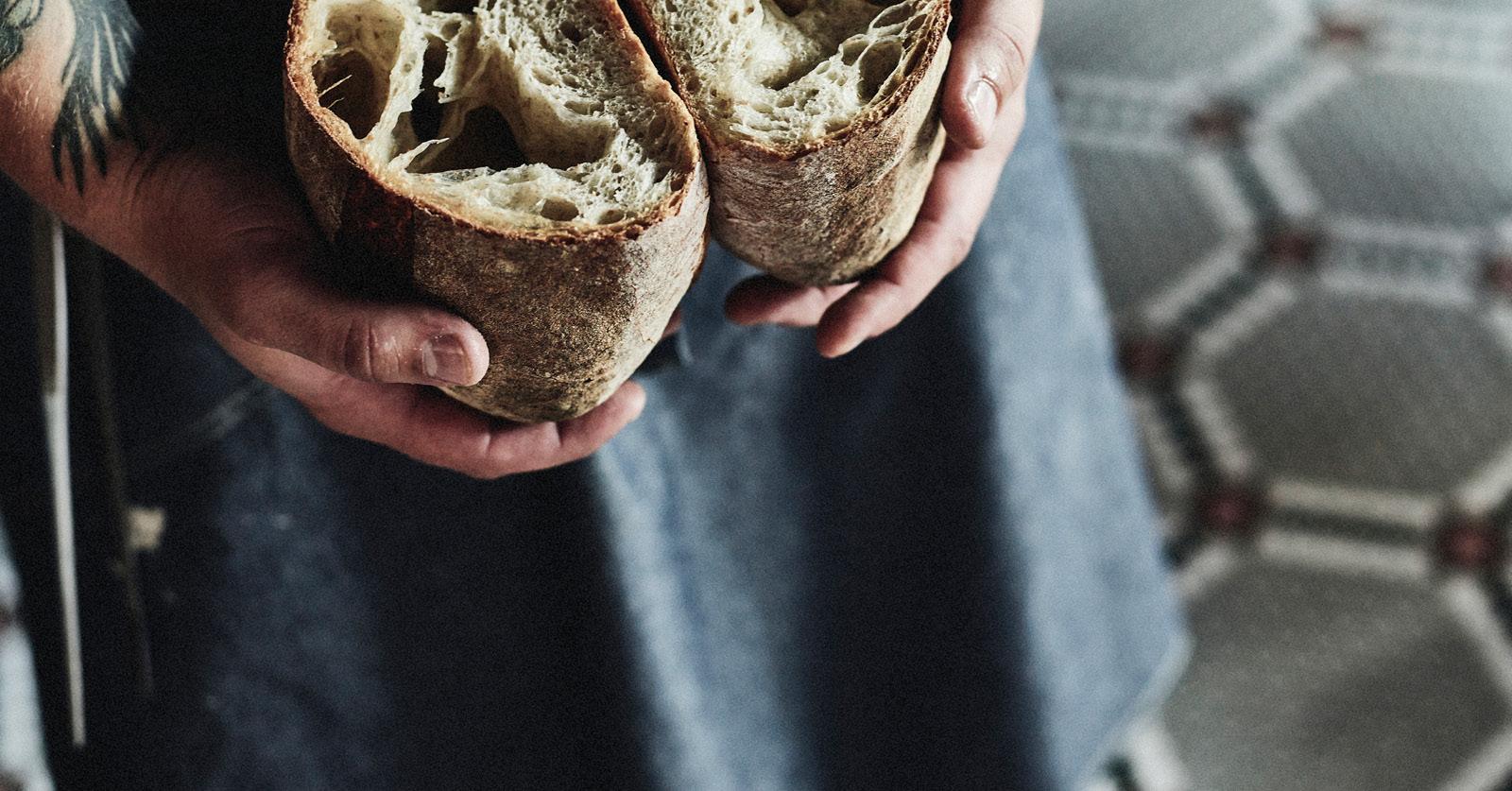 """""""Yksinkertainen ja laadukkaista raaka-aineista tehty ruoka on ajankotaista aina ja kaikkialla."""" Kuva: Petri Teppo – Studio Artica"""