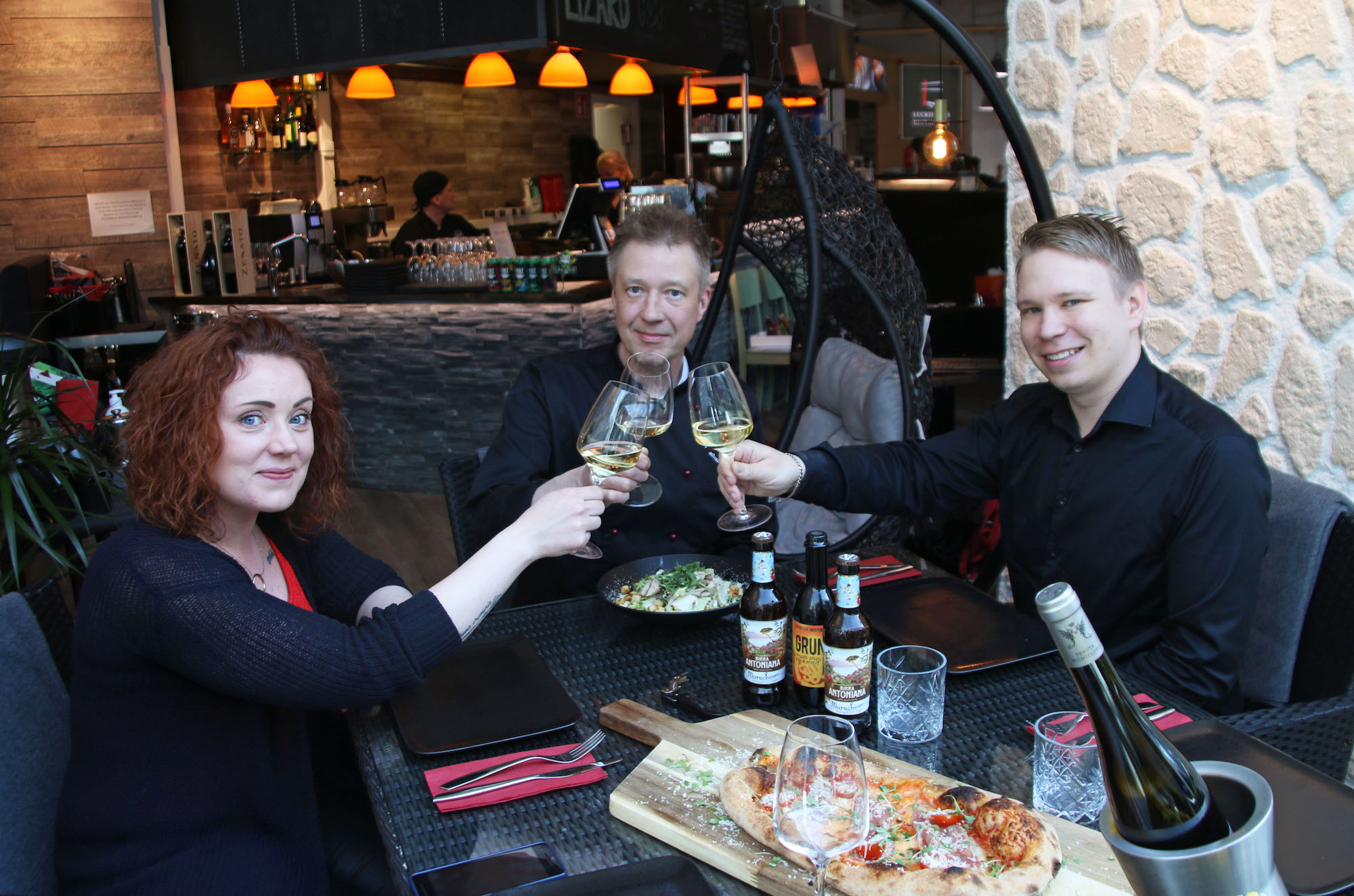 Dietan Minna Miettinen, Deluxe Burger & Pizzan Mikko ja Tony