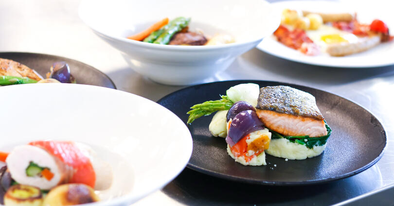 Dieta Moduline -regeneraatiouunilla kuummennat ruoan hellävaroen.