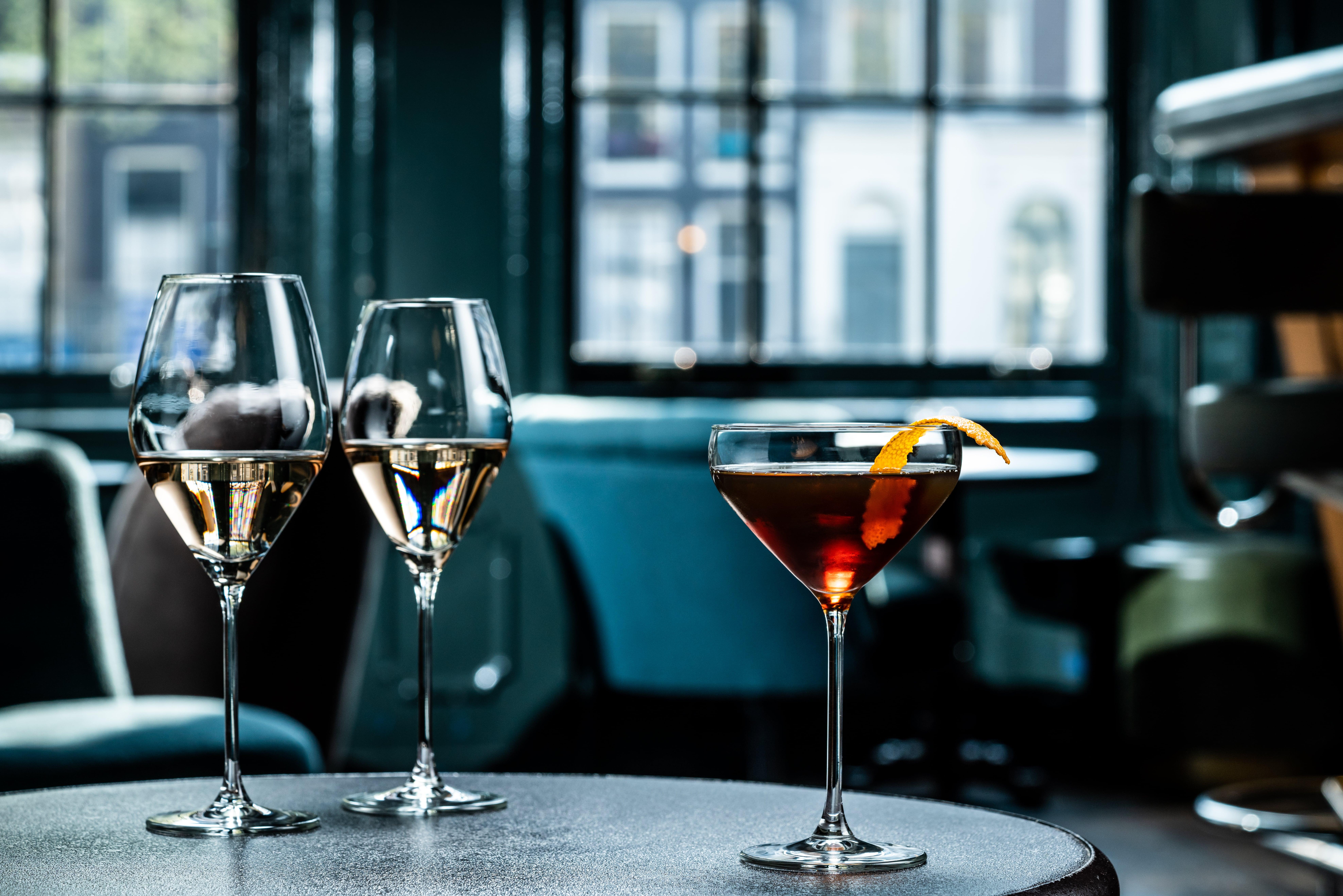 Vähennä juomahävikkiä mittaviivallisilla laseilla